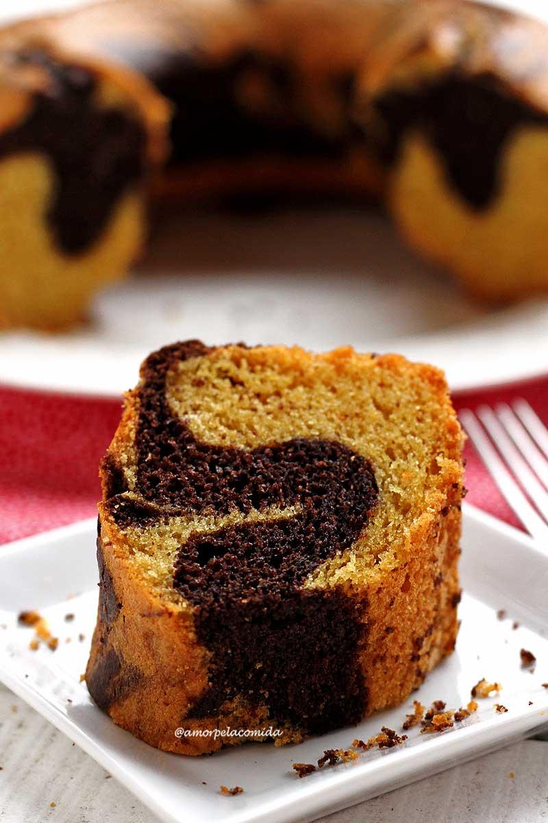 Receita fácil de bolo mesclado de liquidificador sem glúten e sem lactose