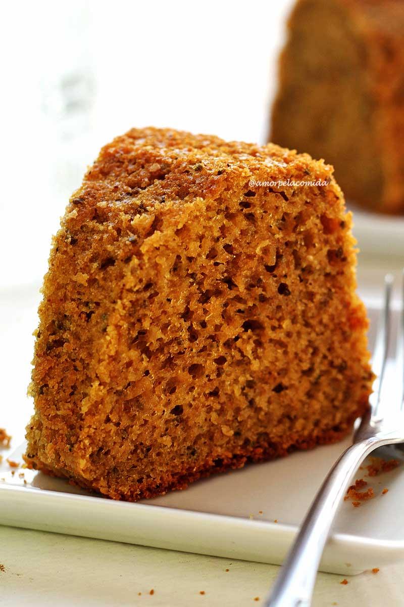 Receita de bolo de batata doce simples de liquidificador que fica super fofinho e é sem glúten e sem lactose!