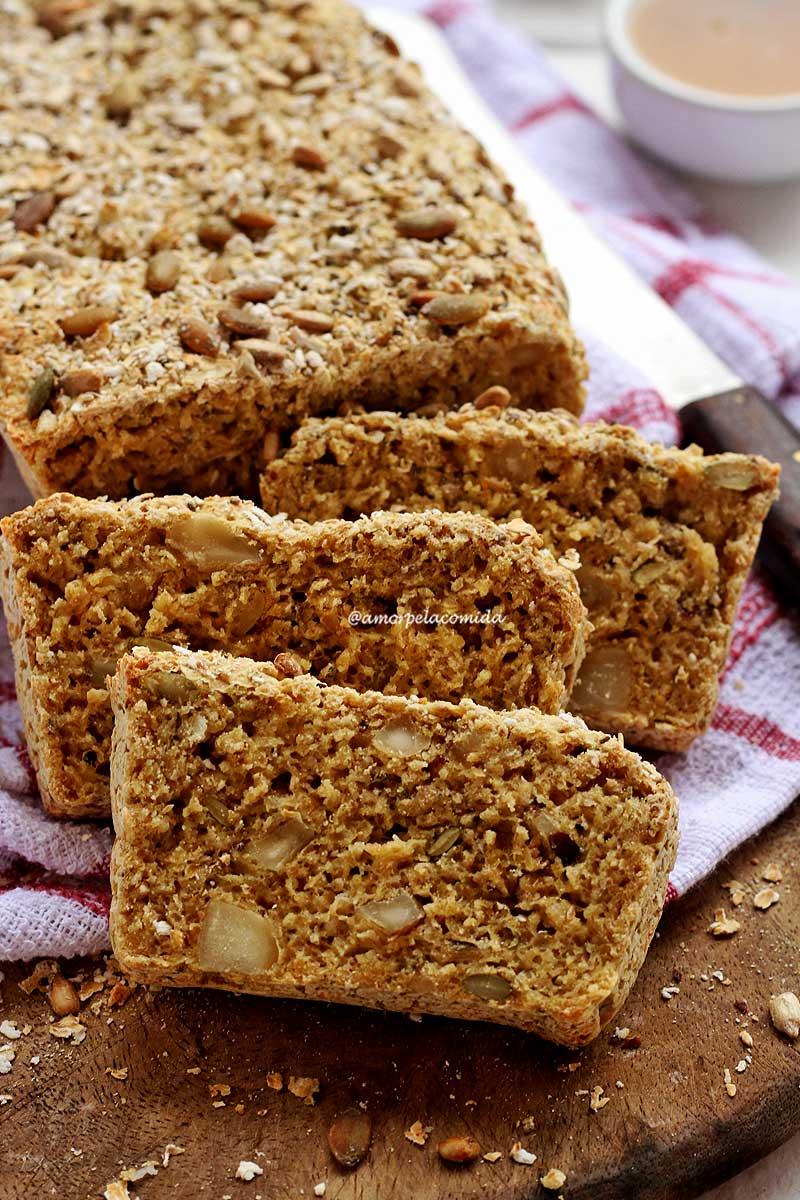 Receita de pão de aveia e ovo sem farinha de trigo, muito simples e rápida de preparar!